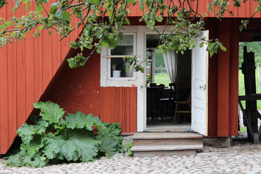 hus och gårdar